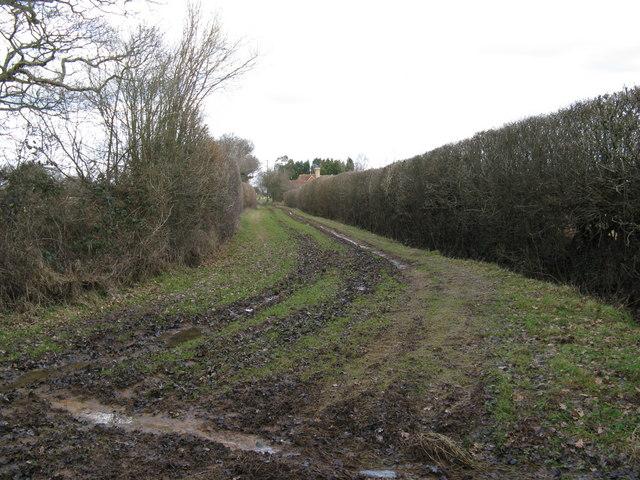 Footpath to Haymans Farm