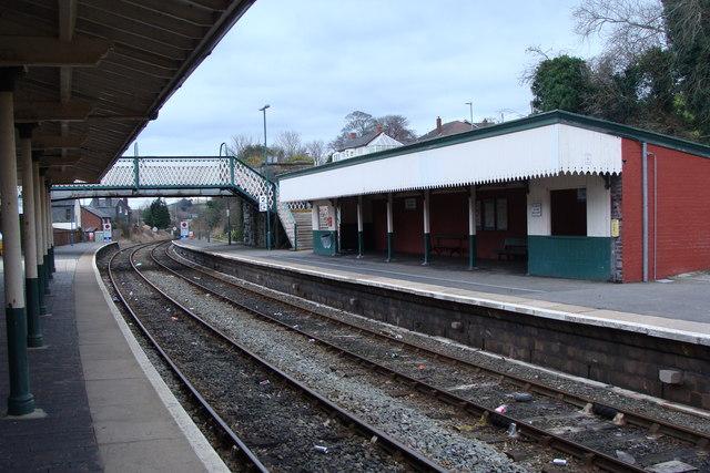Newtown railway station and footbridge