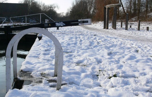 Aylestone Mill Lock in the snow