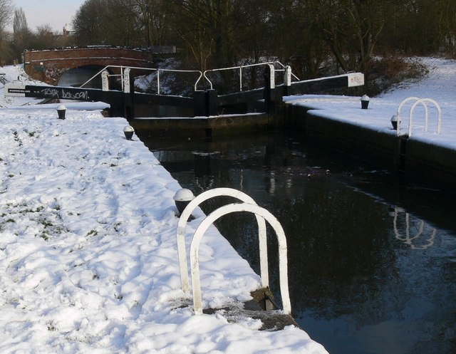 A snowy Aylestone Mill Lock
