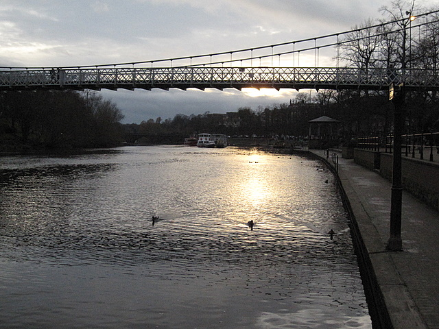 River Dee and Queen's Park suspension bridge