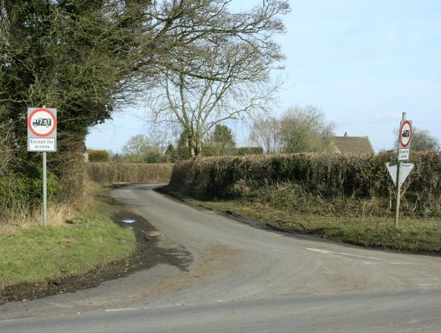 2009 : Lane to Park Farm and Easton