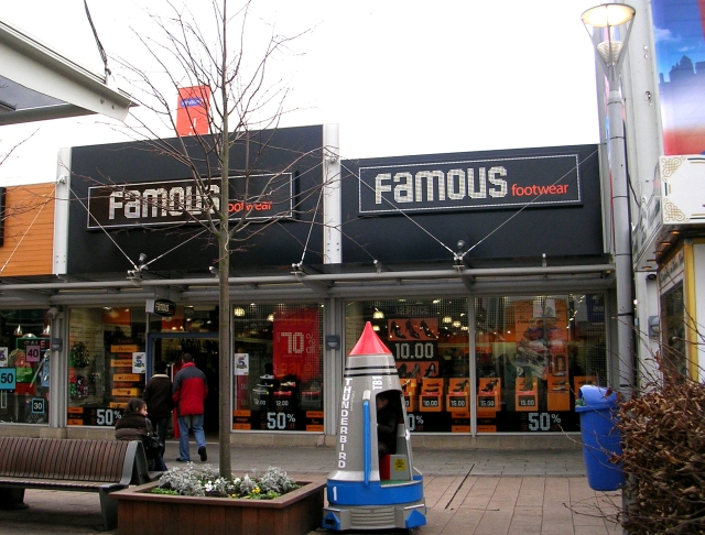 Famous Footwear - Junction 32