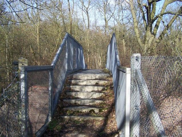 Footbridge over railway into Snarkhurst Wood