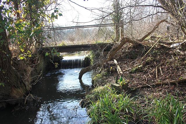 Sluice and footbridge, Upper Arles Wood