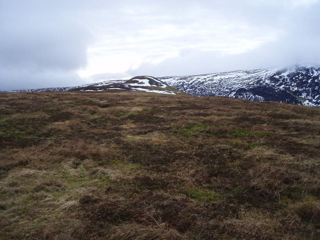 Looking SW along Sron  Challaid towards A'Chairidh