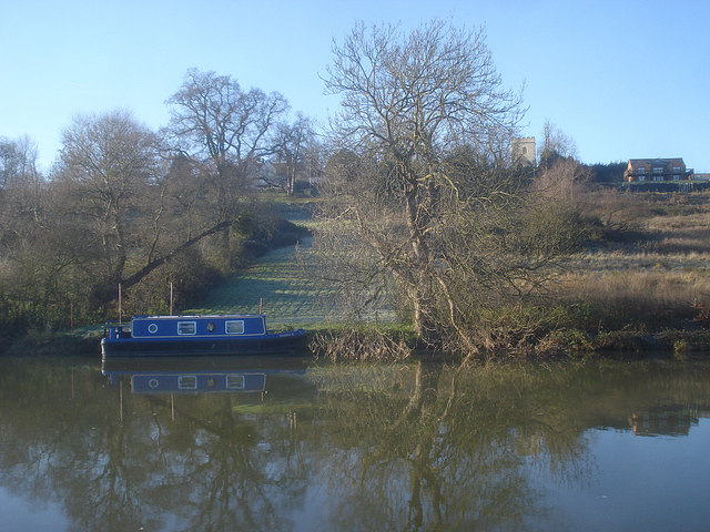 Narrow boat moored near Strensham