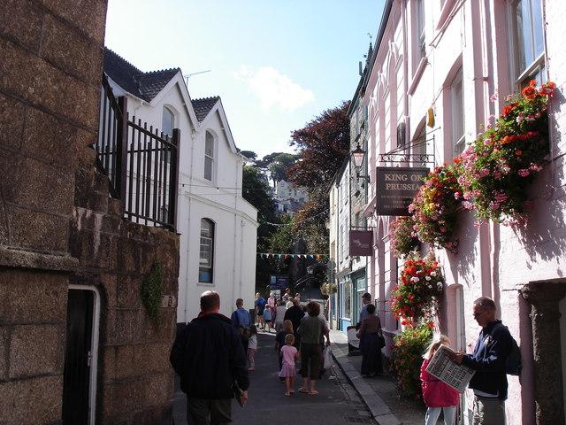 Fowey - street scene near the harbour