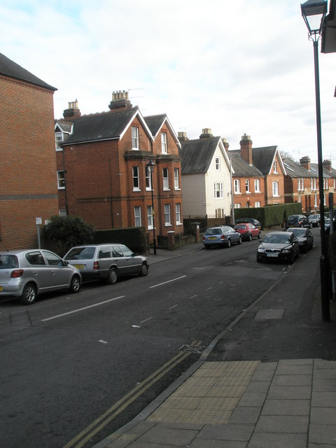 Looking eastwards along Victoria Road