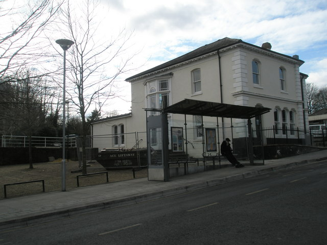 Bus shelter on Station Hill