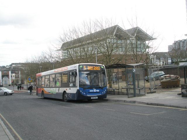Number 5 bus on Station Hill