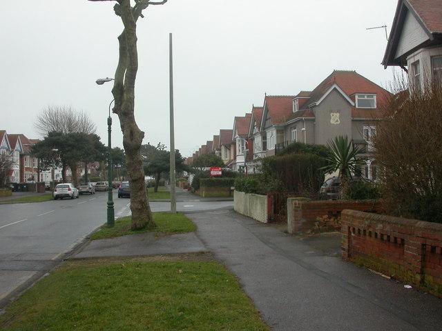 Southbourne, Grand Avenue