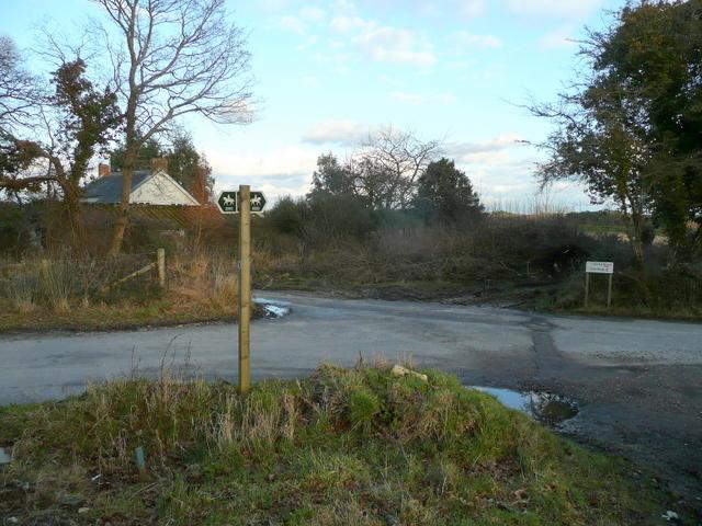 Bridleway sign at Dorey's Farm