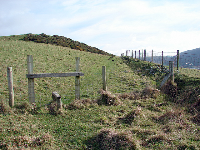 Path leading to Ty-mawr