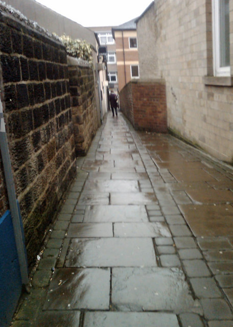Barnsley snicket (ginnell, alley) Dow Passage leading to Eastgate