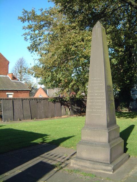 St Editha's Churchyard Memorial  (1)