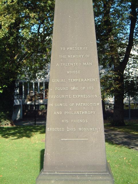 St Editha's Churchyard Memorial  (2)