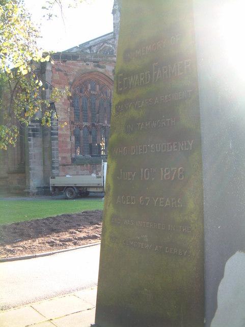 St Editha's Churchyard Memorial  (4)