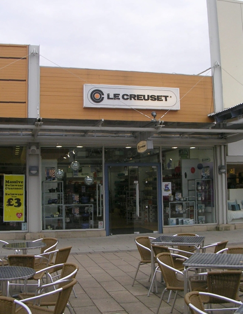 Le Creuset - Junction 32