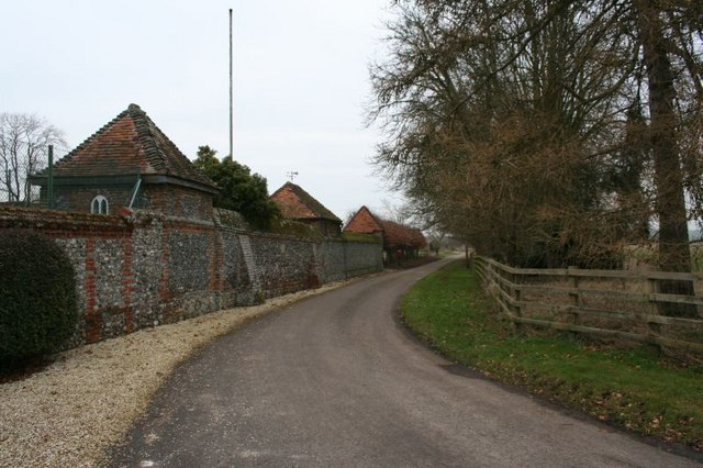 Road past the Manor