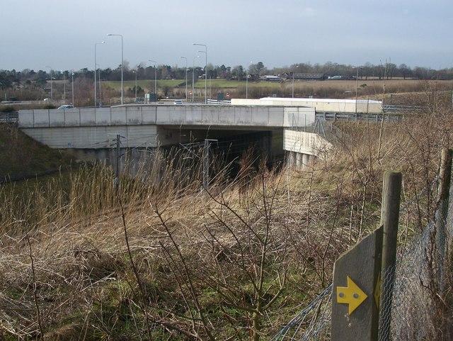 Access roadbridge over CTRL