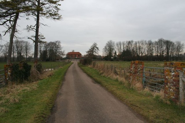 Road to the manor