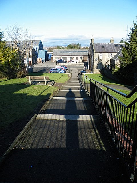 Steps from Lyninghills to West High Street