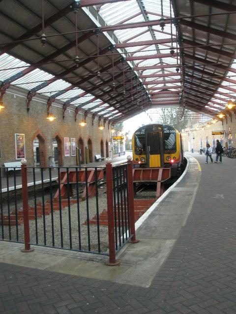 Train terminating at Windsor & Eton Riverside railway station