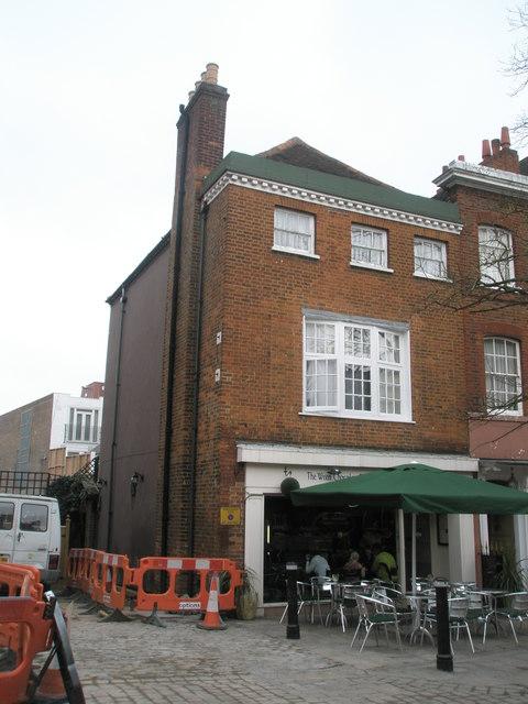 Café in Thames Street