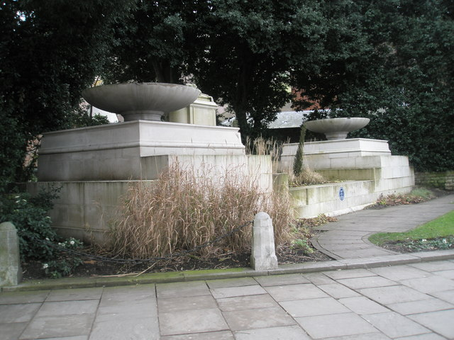 George V Memorial in Windsor town centre