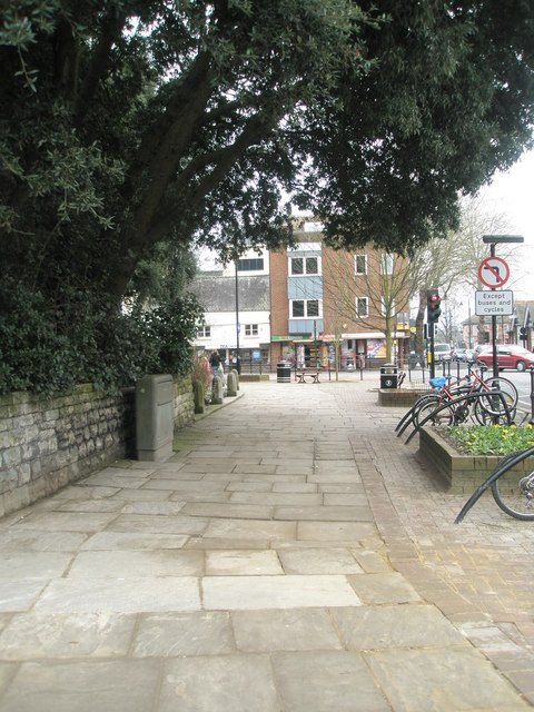 Pavement between The Royal Oak and the George V Memorial
