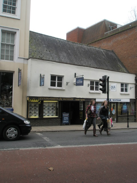 Estate agents in Thames Street