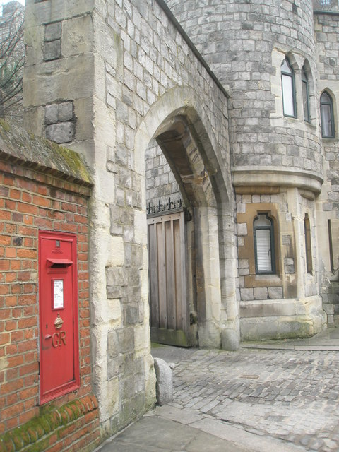 Postbox by the north gate at Windsor Castle