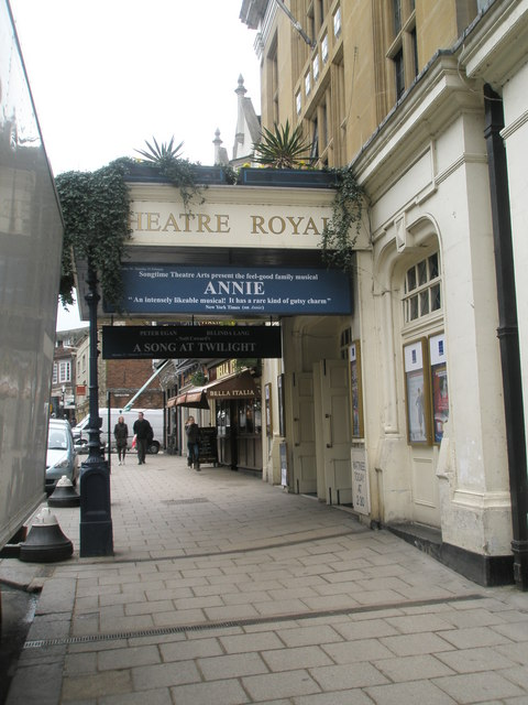 Entrance to the Theatre Royal in Thames Street