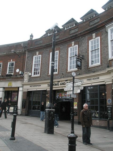 Wetherspoon's in Thames Street
