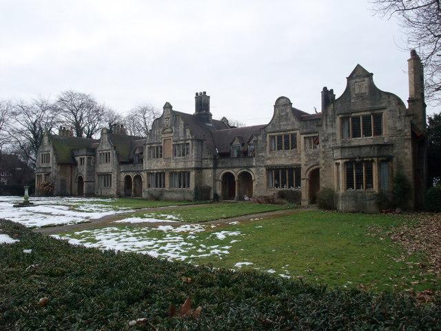 'The Winnings' almshouses