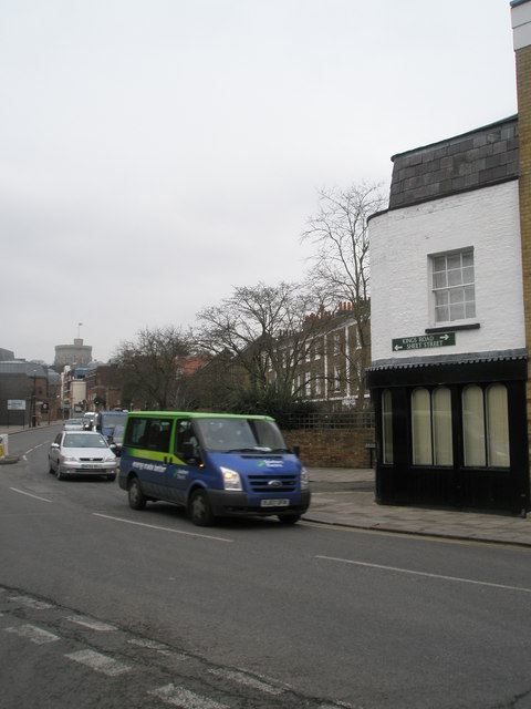 Boundary of Sheet Street and Kings Road