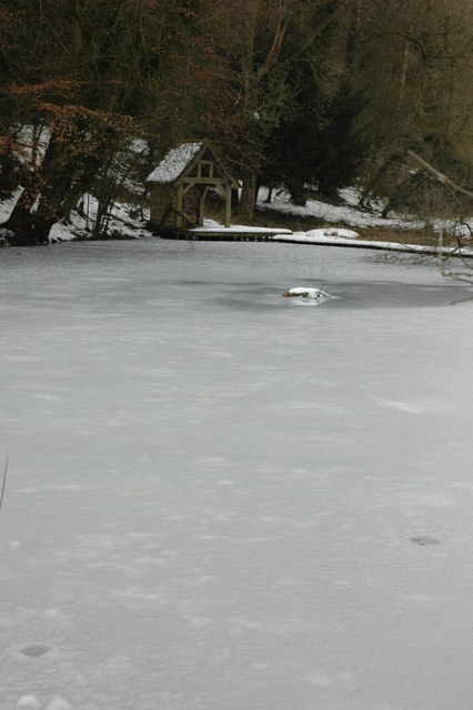 Frozen pond in Temple Guiting