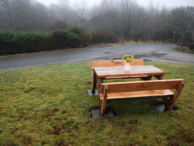 Picnic bench in Ford