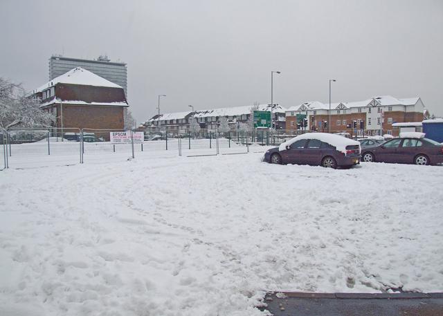 Snow bound Tolworth