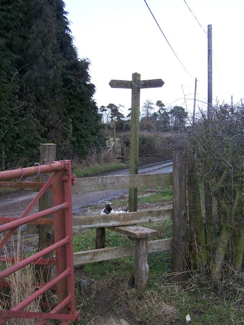 Footpath crosses Dean Farm Road