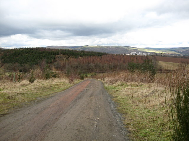 Track leading from Cauldshiels Loch