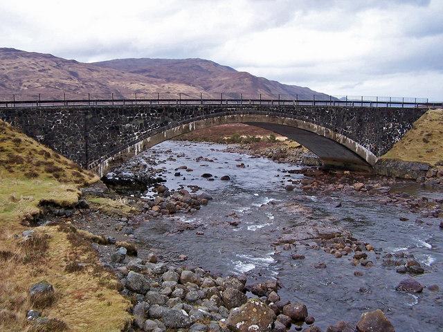 New(er) bridge at Sligachan