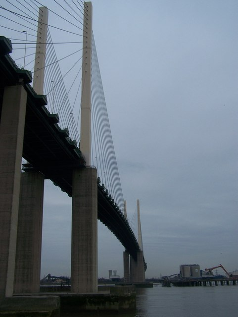 Queen Elizabeth Bridge goes over River Thames