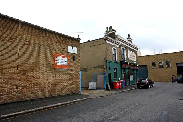 The Wenlock Arms from Sturt Street, N1