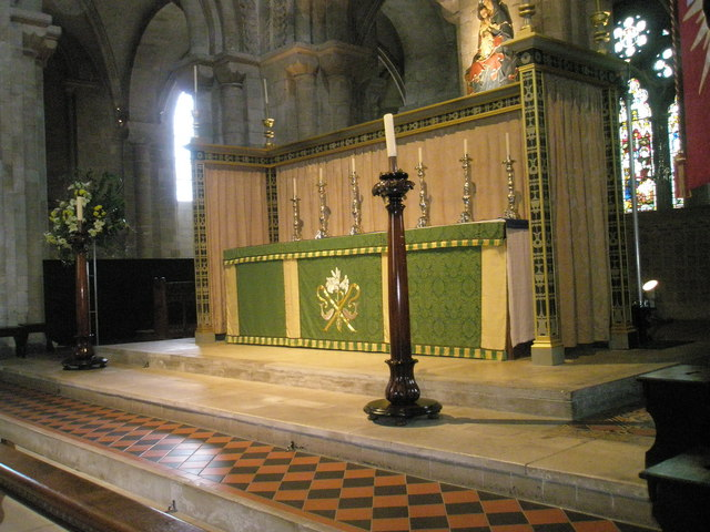 The magnificent main altar within Romsey Abbey