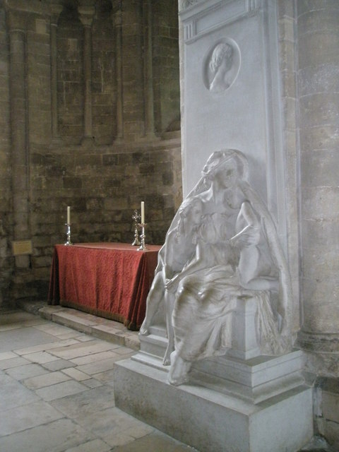 Statue by the chapel dedicated to Mary at Romsey Abbey