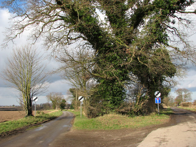 Two country lanes meet