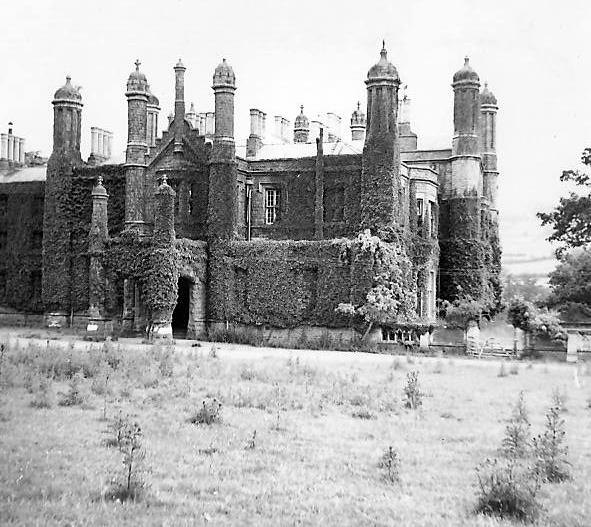 Glanusk: the old mansion in 1951