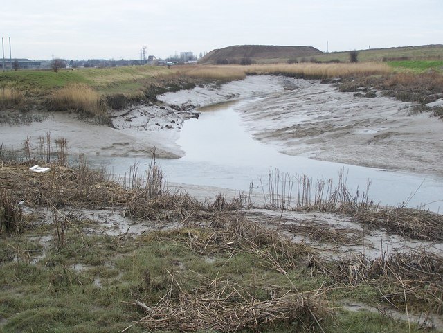 The Crayford Creek joins the River Darenth